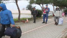 Ege denizinde fırtınaya yakalanan mültecileri sahil güvenlik ölümden kurtardı