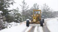 Altıeylül'de kar ile mücadele başladı
