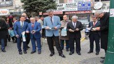 Milli İrade Meydanı'nda kitap okudular