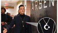 Mesut Özil'in ay-yıldızlı kolyesi Almanları rahatsız etti