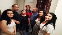 Asansörde mahsur kalanları itfaiye kurtardı