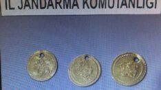 2. Mahmut Dönemine ait 6 altın sikke ele geçirildi.