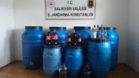 2 bin 400 litre kaçak içki ele geçirildi.
