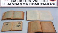 Tarihi eser niteliğinde kitaplar ele geçirildi.