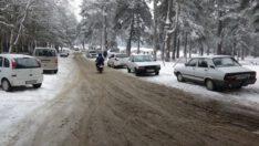 Kazdağları'nda kar yağışı hayatı olumsuz etkiliyor
