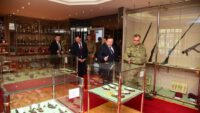 Mühimmat Okulu ve Eğitim Merkezi Komutanı Bakım Albay Mehmet Gücü'ye ziyaret