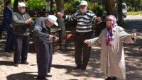 Büyükşehir'den 'koca çınarlara' moral
