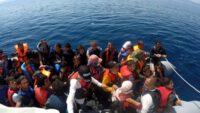 Yunanlılar 60 göçmeni ölüme itti; Sahil Güvenlik kurtardı