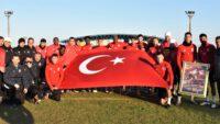 23 Kasım Pazartesi günü oynayacağı Ümraniyespor maçı hazırlıklarını sürdüren Balıkesirspor'lu futnolcular ATA'yı andılar.