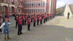 Okul Sporları Kapsamında öğrencilerle fiziksel etkinlikler devam ediyor