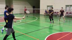 Badminton branşında sporcularımız antrenmanlarını sürdürüyor…