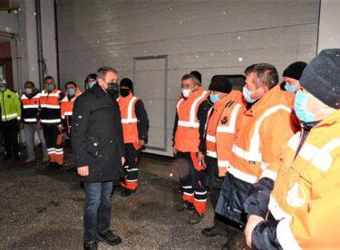 Yollarımızı açık tutmaya çalışan ve trafik düzenini sağlayan bütün personelimize teşekkür ediyorum..