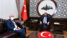 Karadağ'ın Balıkesir Fahri Konsolosu Dr. Akkan Suver Vali Hasan Şıldak'ı ziyaret etti.