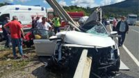 Bariyerlere Ok Gibi Saplanan Otomobilde ki Çocuk Hayatını Kaybetti