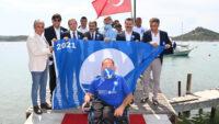 Ulusal Mavi Bayrak Ayvalık'ta Göndere Çekildi