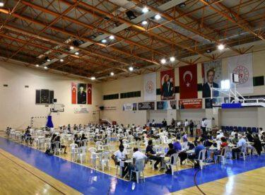Burhaniye  Kurtuluş Satranç Turnuvası başladı.