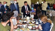 Rektör Prof. Dr. İlter Kuş'tan, Yemekhaneye Sürpriz Ziyaret