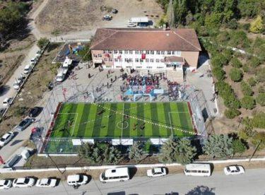 Yeniköy kırsal mahallesinde yapımı tamamlanan Halı Saha Açılışı gerçekleştirildi.