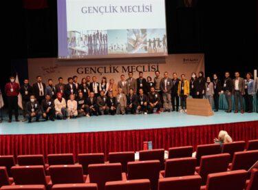 Kerim Gülgönül, Gençlik Meclisi Başkanlığına seçildi.