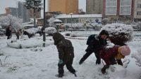 Kar en çok çocukları sevindirdi