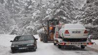Edremit Belediyesi'nin kar mücadelesi sürüyor