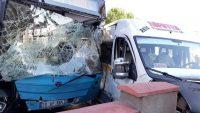 Toplu Taşıma aracı ile servis aracı kaza yaptı: 6 yaralı