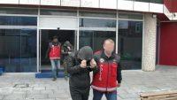 Eve giren 3 hırsız tutuklandı