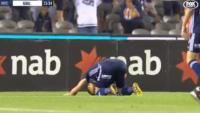 Rum futbolcu golünü attı, secdeye yattı