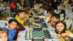 Minik satranççılar birincilik için yarıştı