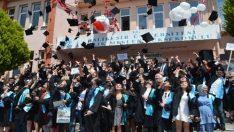 BAÜ Ayvalık MYO' da 25. dönem mezuniyet coşkusu