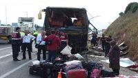 Otobüs kazası : 4 ölü 42 yaralı..