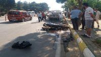 Önce polis otosuna çarptı ardından otomobilin altında kaldı