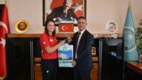 Şampiyon Judocudan, Rektör Prof. Dr. İlter Kuş'a Ziyaret