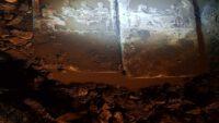 Şiddetli Yağmurlar Antik Mezar Stellerini Açığa Çıkardı.