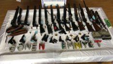 Balıkesir'de polisten 15 ayrı adrese şafak operasyonu.