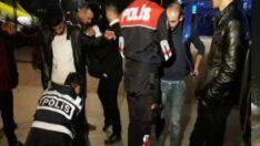Balıkesir'de polis 19 aranan şahsı yakaladı.