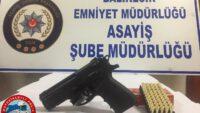 Balıkesir'de polis son 48 saat içinde yaptığı uygulamalarda 9 adet silah ele geçirdi.
