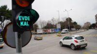 """Büyükşehir'den trafik lambalarında """"Evde Kal"""" çağrısı"""