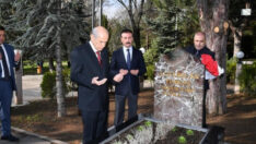 MHP Lideri Bahçeli, Başbuğ Türkeş'in kabrini ziyaret etti