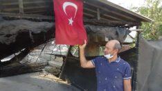 Her yer yandı, bayrak sapasağlam kaldı