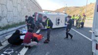 Balıkesir'den hasta götüren ambulans 6 metre yükseklikten düştü!
