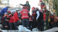 İzmir depreminde can kaybı 58'e yükseldi