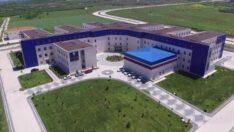 Tıp Fakültesi binasındaki konferans salonu tamamlandı.