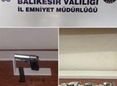 RUHSATSIZ TABANCA VE TÜFEK ELE GEÇİRİLDİ