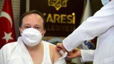 Karesi Belediye Başkanı Dinçer OrkanCOVİD-19 aşısını yaptırdı.