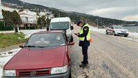 (2.600) araç kontrol edildi, (45) araca (27.105) TL idari para cezası uygulandı, (17) araç trafikten men edildi.