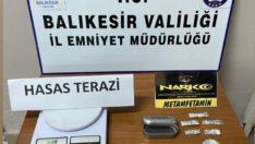 POLİS UYUŞTURUCU SOKAK SATICILARI İLE MÜCADELE EDİYOR