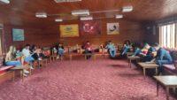 Gönüllü gençlerimiz, kitap okuma etkinliğinde bir araya geldi.