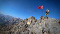 Ağrı'da PKK'lı teröristlerle çıkan çatışmada 2 asker şehit oldu