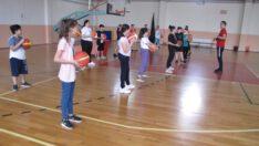GSBSporOkulları ile antrenörler, geleceğin sporcularını yetiştirmeye devam ediyor.